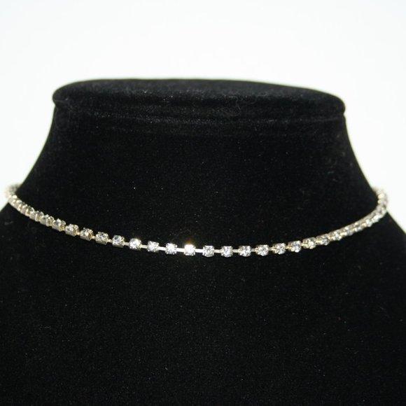 """Beautiful silver rhinestone choker necklace 13-15"""""""